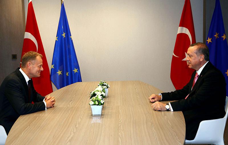 Donald Tusk [L], Recep Tayyip Erdoğan [R] (AA photo)