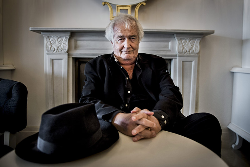 Swedish author Henning Mankell poses for photographs in Stockholm, Sweden, in this picture taken June 1, 2015 (Reuters Photo)