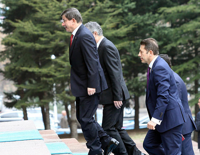 Turkey's PM Davutoğlu: Only 2 of 57 Russian airstrikes targeted ISIS