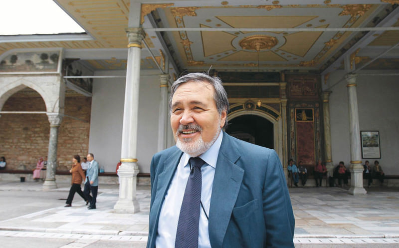 Thanks to his special knowledge and attention to detail, Ortaylu0131 was also appointed the director of the Topkapu0131 Palace Museum for seven years before he retired from the position in 2012.