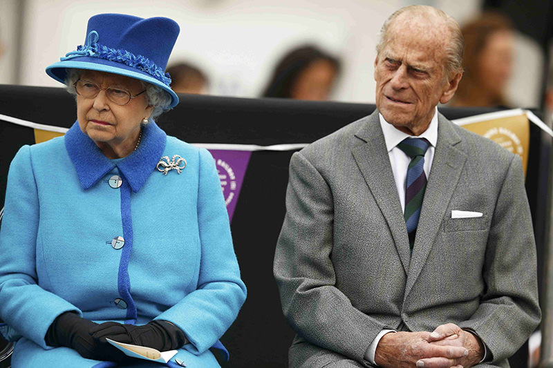 Queen Elizabeth sits with Prince Philip as she officially opens the Scottish Borders Railway at Tweedbank Station in Scotland, Britain September 9, 2015 (Reuters)