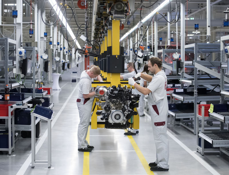 Economists underline that Turkey needs to focus on the second stage of economic reforms and to transfer a new production model to achieve higher growth rates.