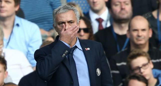 Jose Mourinho unbowed as Chelsea crisis worsens