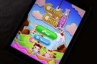 In this photo illustration, a Candy Crush game is seen on an iPad on November 3, 2015 in Miami, Florida.  (AFP Photo)