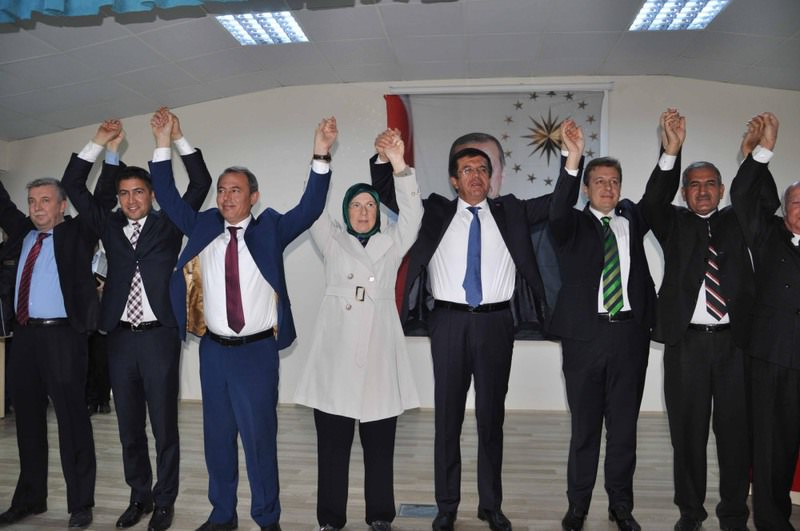 During his visit to the u00c7ardak district of Denizli province, interim economy minister Nihat Zeybekci (L5) spoke very optimistically about Turkey's Economy.