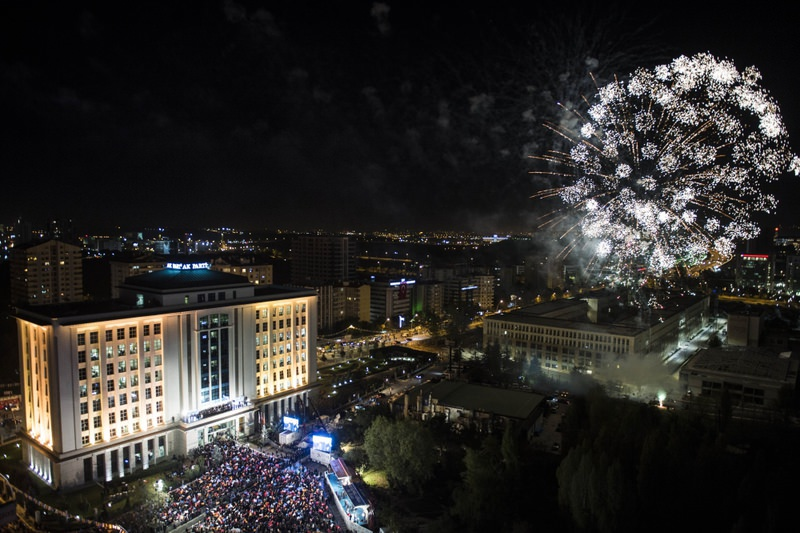 Following PM Davutou011flu's balcony speech to celebrate the AK Party's victory with supporters, a fireworks display was held near the party's headquarters.