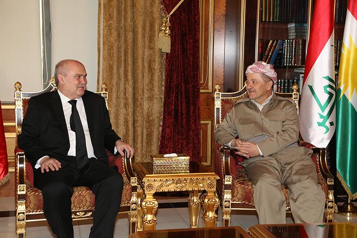 Foreign Minister Feridun Sinirliou011flu (Left) with KRG President Masoud Barzani (AA Photo)