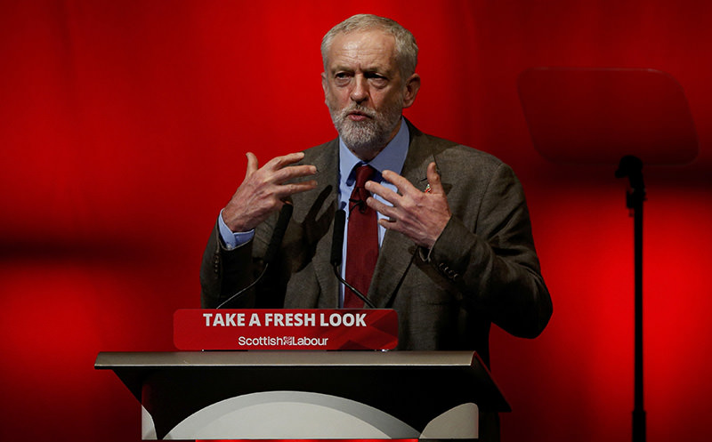 Jeremy Corbyn, leader of Britain's opposition Labour Party addresses the Scottish Labour Party conference in Perth, Scotland October 30, 2015. (REUTERS Photo)