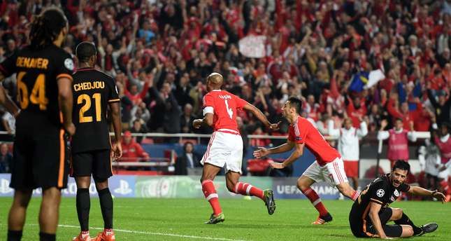 Benfica's Brazilian defender Luisao (C) celebrates after scoring a goal during the UEFA Champions League football match against Galatasaray at the Luz stadium in Lisbon on November 3, 2015. (AFP Photo)