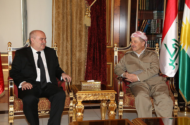 Foreign Minister Feridun Sinirlioğlu (Left) with KRG President Masoud Barzani (AA Photo)