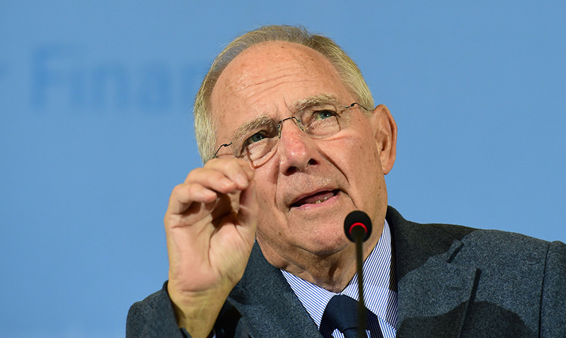German Finance Minister Wolfgang Schaeuble addresses a press conference in Berlin on November 5, 2015, on Germany's projected tax income. (AFP photo)