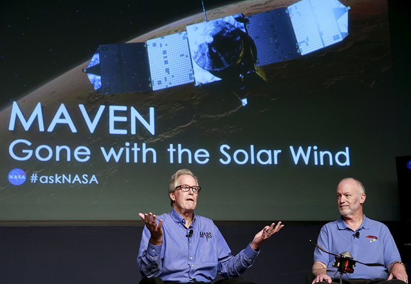 Michael Meyer,lead scientist for Mars Exploration Program at NASA (L) and Bruce Jakosky, Mars Atmosphere and Volatile Evolution principal investigator, discuss key findings from the ongoing exploration of Mars (Reuters Photo)