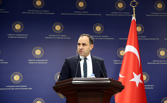 Turkish Foreign Ministry spokesman Tanju Bilgiç answering questions from the press on October 10, 2015. (AA Photo)