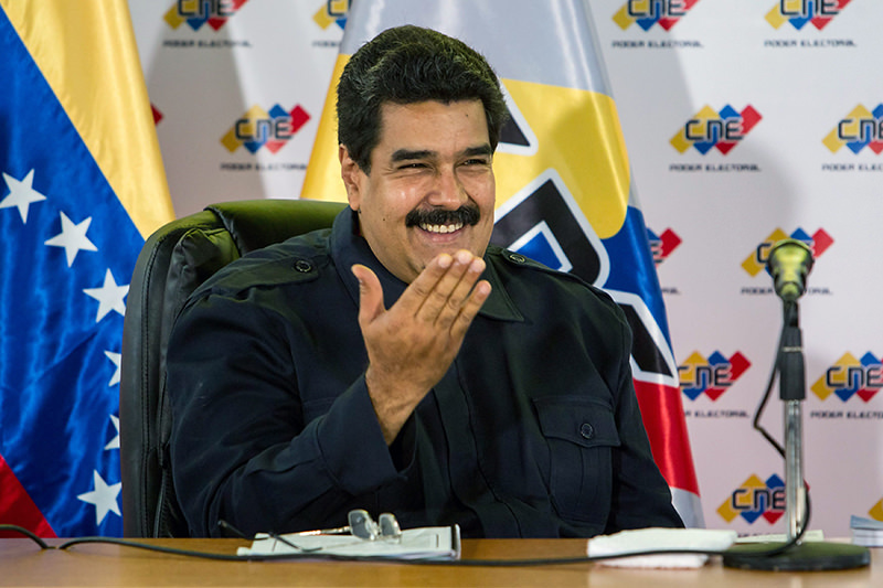 enezuelan President Nicolas Maduro gives a speech during a ceremony at the Election National Council facilities, in Caracas, Venezuela, 26 October 2015 (EPA Photo)