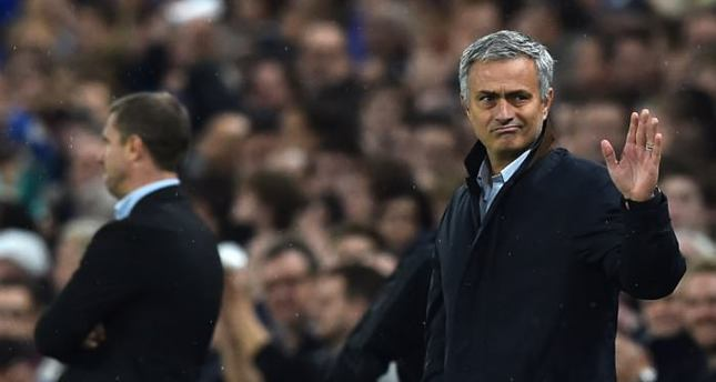Emotional Mourinho salutes never-say-die Chelsea fans
