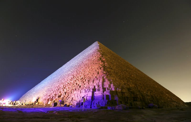 The Pyramid of Khufu, the largest of the pyramids of Giza, is pictured on the outskirts of Cairo, Egypt, November 9, 2015. (REUTERS Photo)