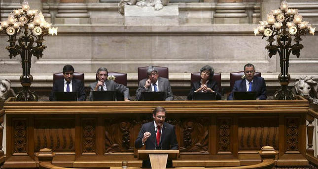 Portuguese Prime Minister Pedro Passos Coelho speaks during the debate of the program of government in the Parliament, Lisbon, Portugal, 10 November 2015.  (EPA Photo)