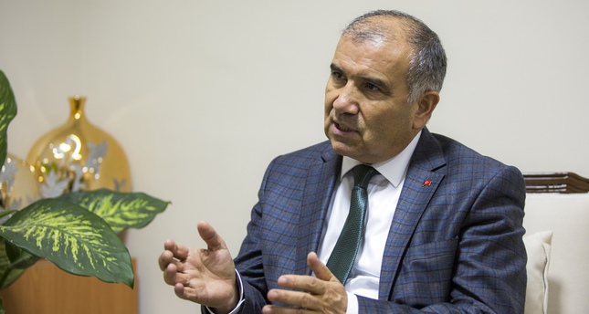 Energy and Natural Resources Minister Ali Rıza Alaboyun announced that Soma province in western Turkey has more than 100 tons of gold reserves, which are expected to contribute $2.5 billion to the economy