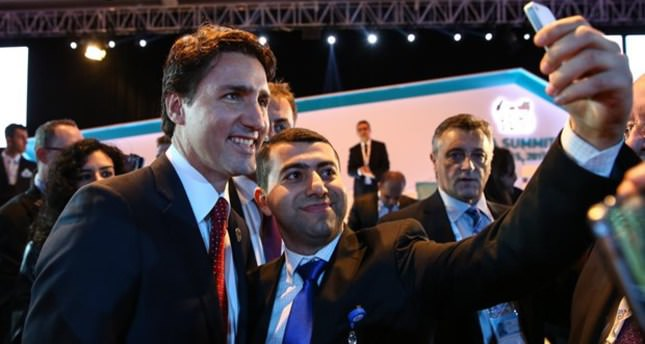 Canadian PM Trudeau draws rock star attention at G20 Antalya summit