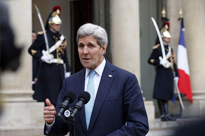 US Secretary of State John Kerry delivers a statement at the Elysee Palace after his meeting with French President Francois Hollande, in Paris, France, Tuesday, Nov. 17, 2015 (AP Photo)