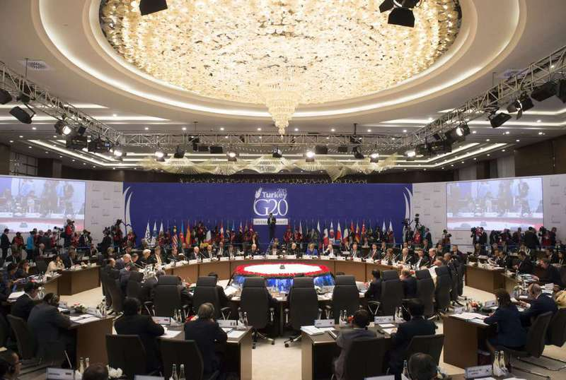 World leaders at the G20 summit in Antalya discussed many issues ranging from the global economy to the refugee crisis and the threat of terrorism.