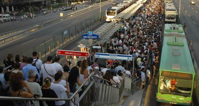 Istanbul's metrobus little solace for commuters