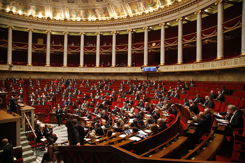 French Prime Minister Manuel Valls addresses the parliament at the national assembly in Paris, Thursday Nov.19,2015 (AP Photo)