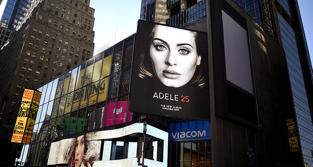 A view of a billboard for Adele's new album, '25' in New York, New York, USA, on 20 November 2015. (EPA Photo)