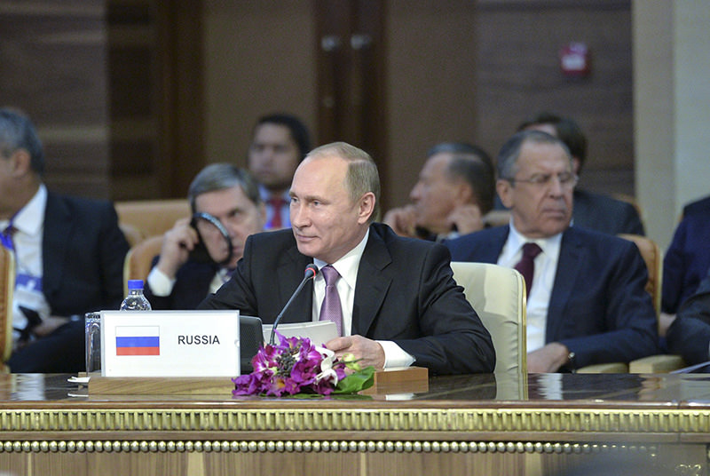 Russia's President Vladimir Putin (C, front) attends the Gas Exporting Countries Forum (GECF) in Tehran, Iran, November 23, 2015 (Reuters photo).
