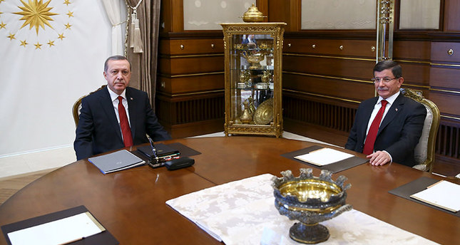 President Erdoğan (L) receives PM Davutoğlu at the Presidential Palace in Ankara, Turkey, November 24, 2015 (Reuters photo)