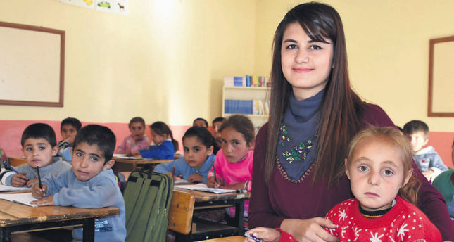Turkish gov't set to improve financial situation of teachers