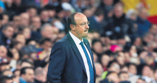 Benitez hanging on at Real Madrid; Zinedine Zidane next?