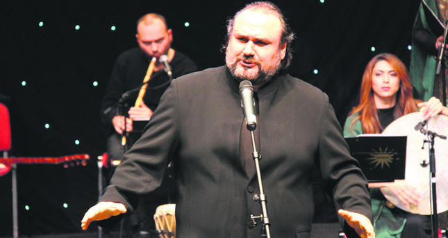 Hakan Aysev, who was a student of the legendary Italian tenor Luciano Pavarotti, undertook major roles at Darmstadt State Opera. He has performed all around the world and is currently with the Istanbul State Opera and Ballet.