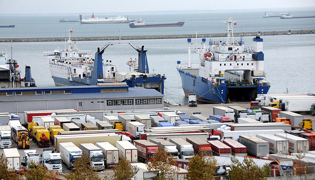 Turkish exports to Russia make up most of the workload of the Black Sea port of Samsun in northern Turkey. (DHA Photo)