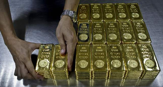 Gold prices fell to their lowest level in more than five years