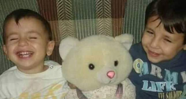Three-year-old Aylan L and his five-year-old brother Galip R Twitter/@Majstar7