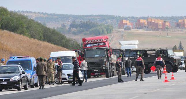Three Turkish army officials arrested in MİT trucks case