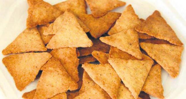Hazelnut chips, a natural alternative to potato version