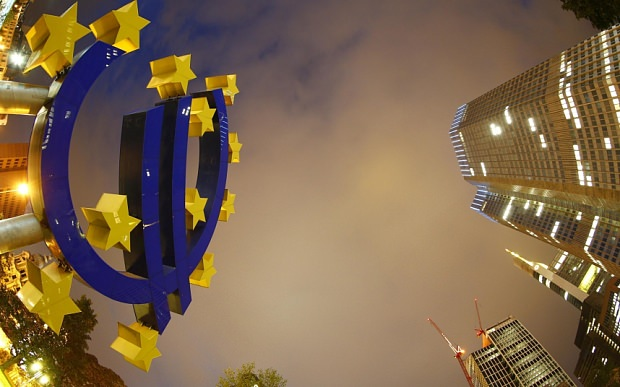 The euro sign landmark is seen at the headquarters of the European Central Bank. (REUTERS Photo)