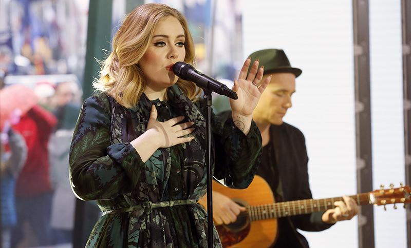 My family is Turkish, Spanish, English, Adele tells Dutch TV in her