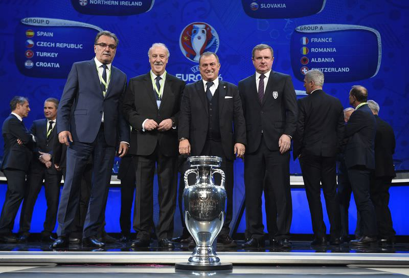 Representatives of teams drawn in group D (AFP Photo)