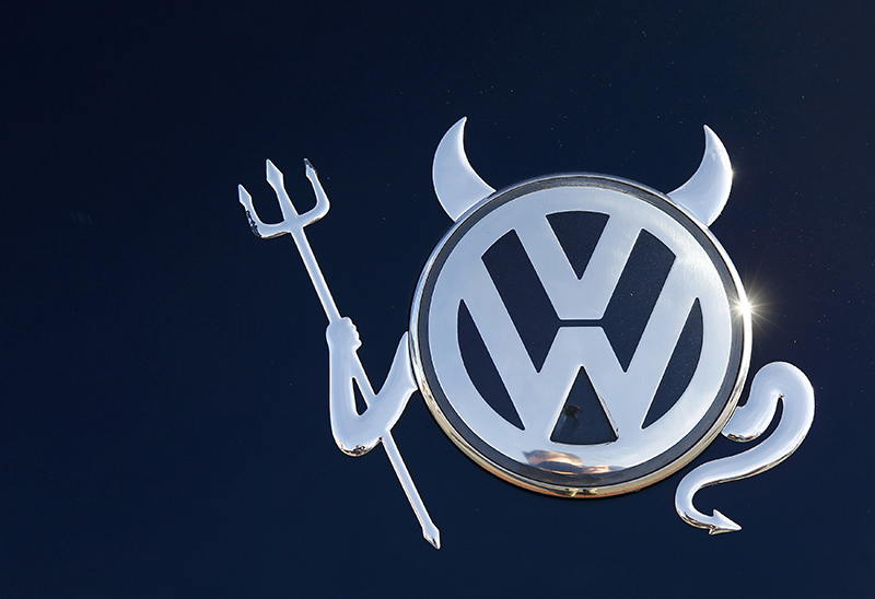 The embellished VW logo is seen on a Volkswagen car in Hanau, Germany in this November 12, 2015 file photo. (REUTERS Photo)
