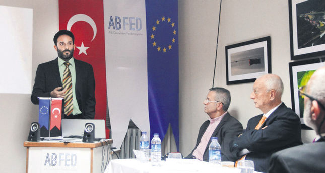 A senior expert at the European Stability Initiative (ESI), Fikret Erkut Emcioğlu, gives a speech at a summit by the Federation of Associations of the European Union in Istanbul on Dec. 19