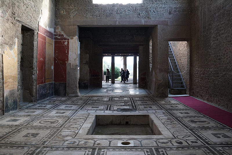 A view of the Paquius Proculus domus, one of six houses that were restored as part of the Great Pompeii Project, at the Pompeii archeological site, in Pompeii, Italy, 24 December 2015. (EPA Photo)