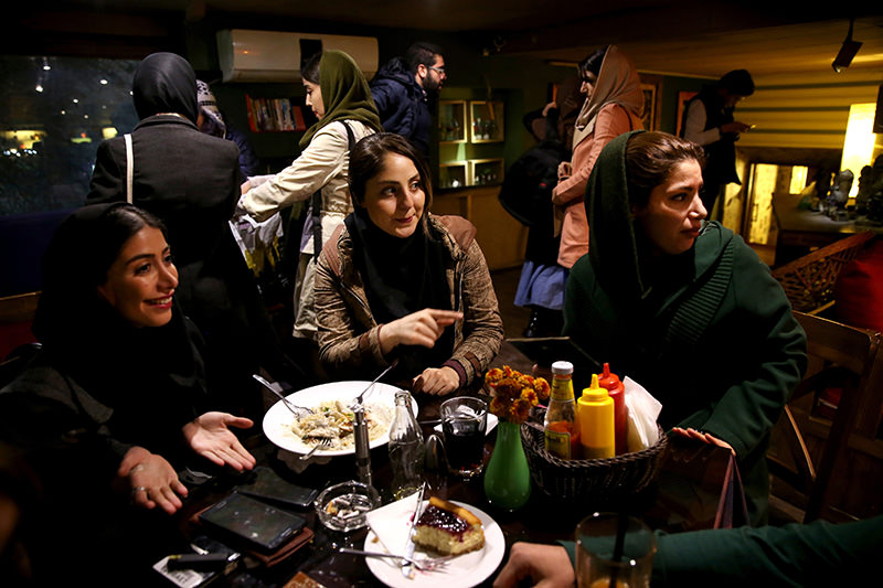 Iranian women at a cafe in downtown Tehran, Iran, Tuesday, Dec. 8, 2015. (AP Photo)
