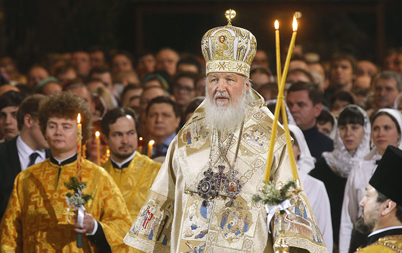 Patriarch Kirill of Moscow and All Russia reads a payer during Christmas service at Christ the Savior Cathedral in Moscow, Russia, early 07 January 2016. (EPA Photo)