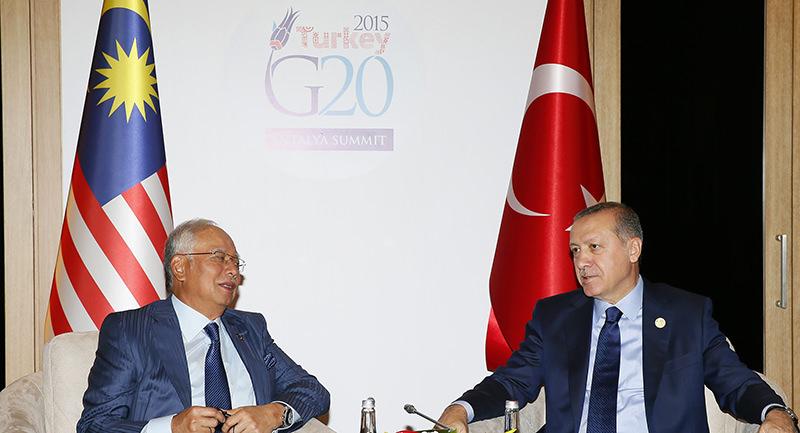 President Recep Tayyip Erdou011fan with Malaysian Prime Minister Najib Razak at the G20 Summit in Antalya (AA Photo)