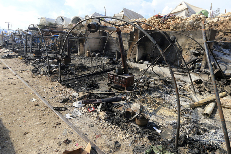 A general view shows the damage at a camp for internally displaced people after it was hit regime allied forces, Latakia province January 31, 2016 (Reuters Photo)