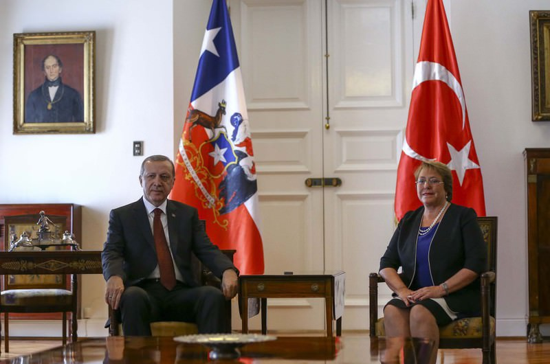 President Recep Tayyip Erdou011fan with his Chilean counterpart Michelle Bachelet at the La Moneda Palace yesterday.