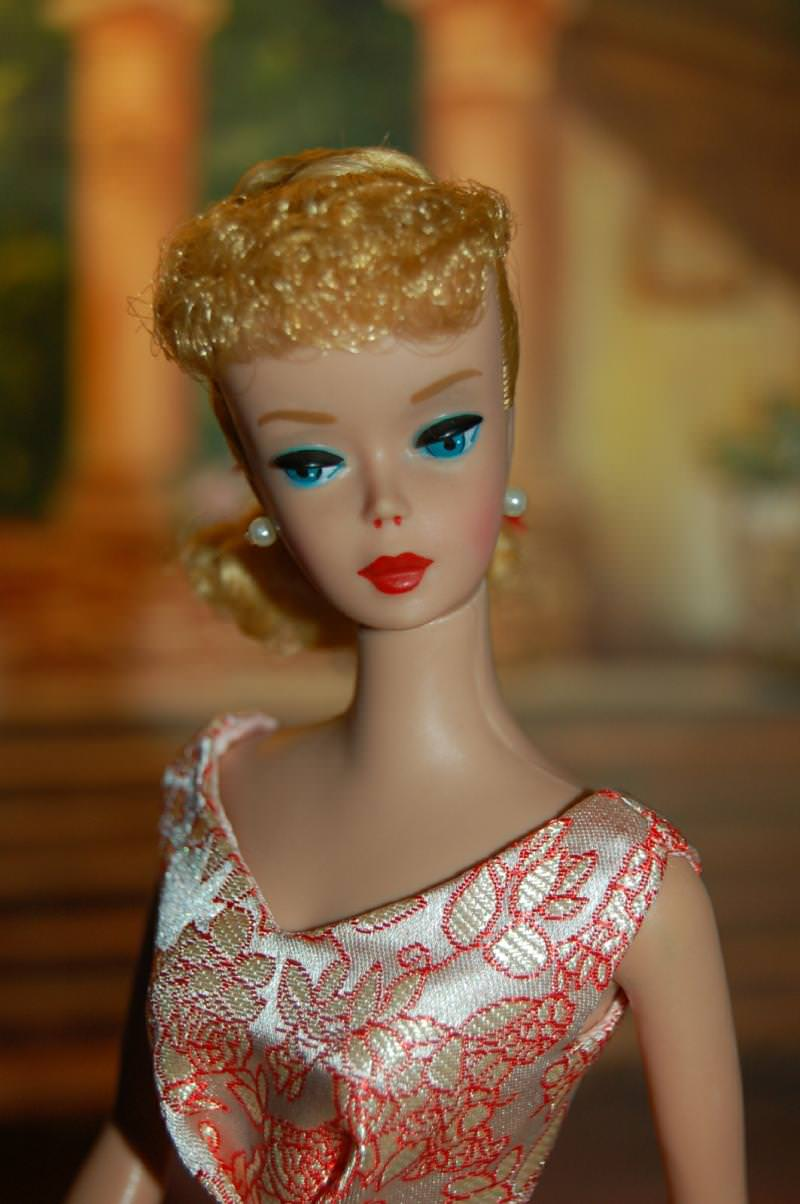 Evolution Of Barbie How Women S Beauty Ideals Change Over
